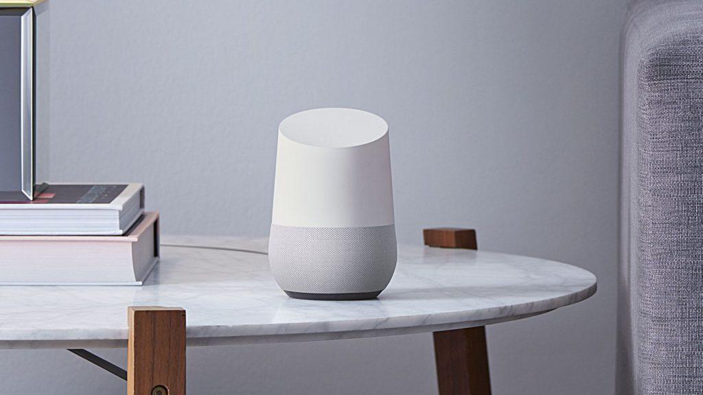 Google Home, als alternatief op de Amazon Echo.